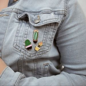 Cindy cactus pin set 🌵